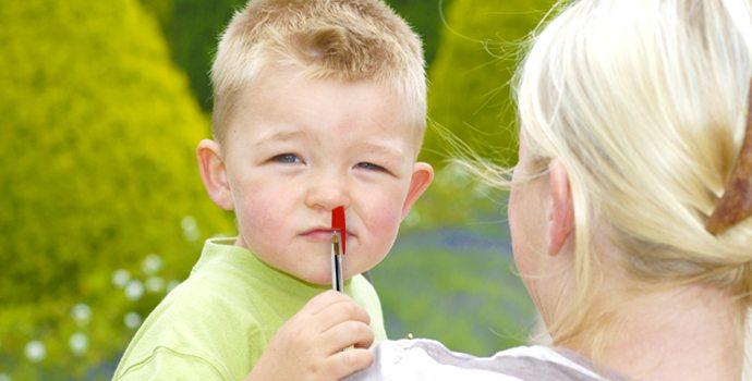 Objet coincé dans le nez : avant d'aller aux urgences, essayez ceci