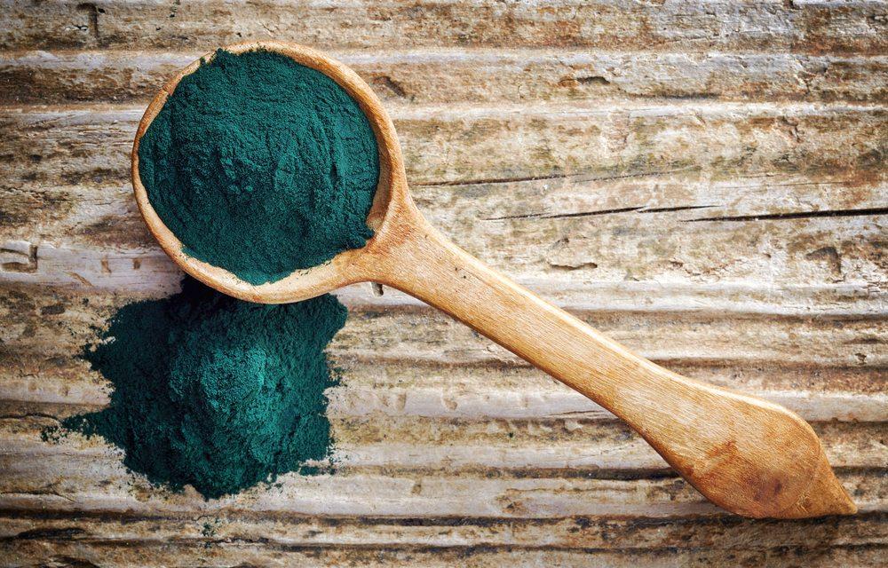 Spiruline : Le super-aliment bleu qui fortifie les malades
