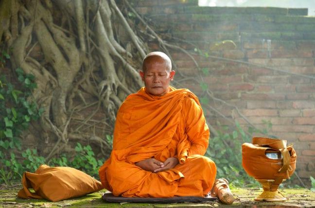 Les moines thaïlandais obèses à cause des offrandes sucrées