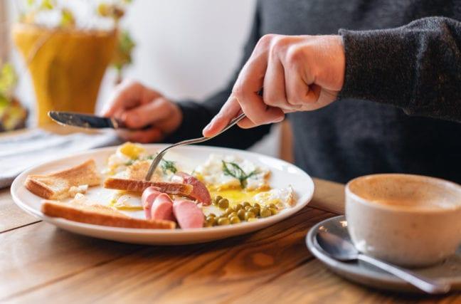 Sauter le petit-déjeuner a-t-il un impact sur le poids?