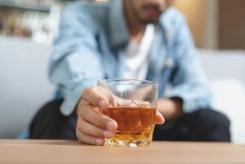 Alcoolisme : enfin le baclofène arrive !