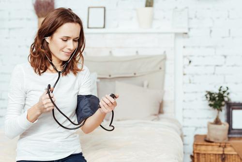 Un exercice de respiration de 5 minutes fait baisser la tension artérielle (plus que les médicaments)